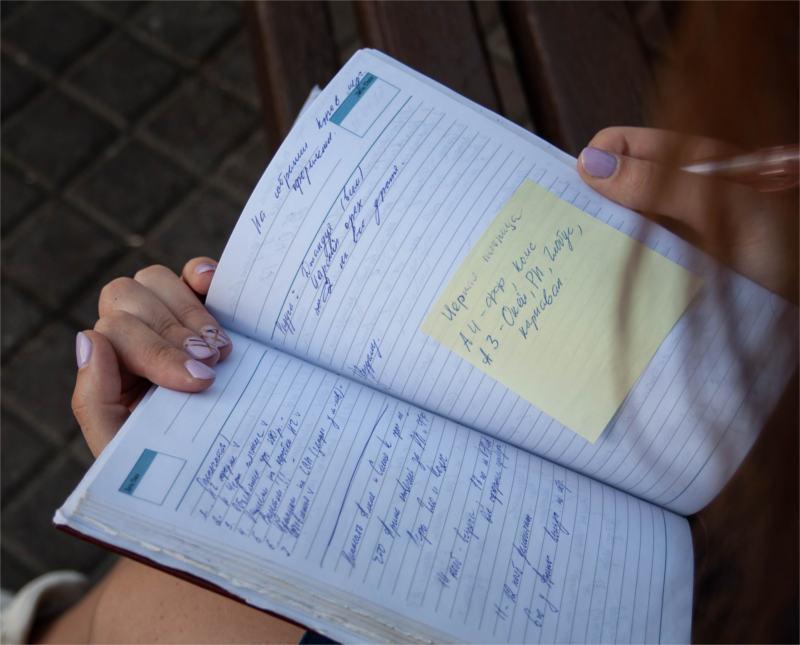 Notatnik kalendarz z zapisami na wizyty u terapeuty