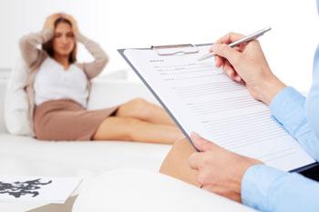 Pacjentka na wizycie w prywatnym gabinecie psychologicznym