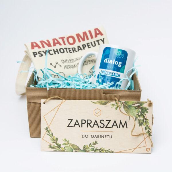 Prezent dla Psychologa i psychoterapeuty składający się z Kubka, Zawieszki na drzwi i Torby bawełnianej z autorskimi nadrukami Mindness